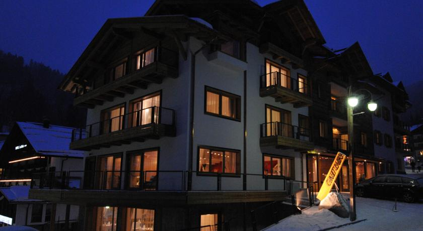 chalet laura lodge hotel